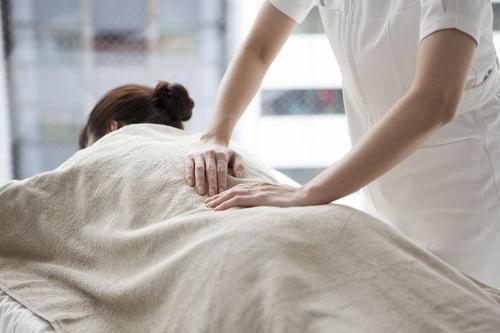 白领舒缓压力按摩保健手法