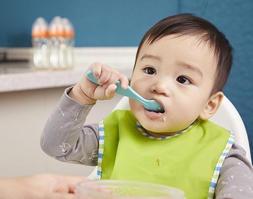 让宝宝喝水没错,但这些方法都是错的!
