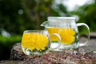 菊花茶的成效与作用:菊花茶含有丰富的菊甙