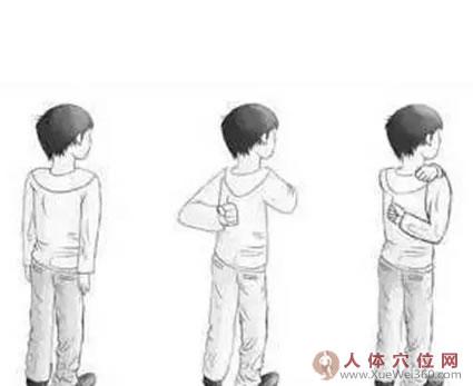 反拳捶脊法:缓解肩背痛,疏通血脉